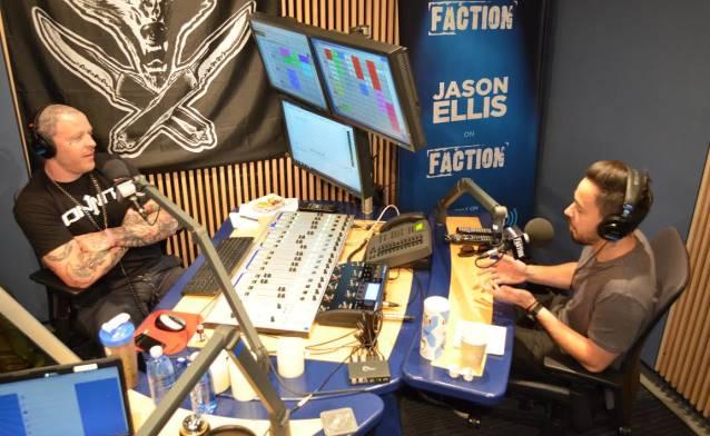 Mike Shinoda em entrevista à rádio