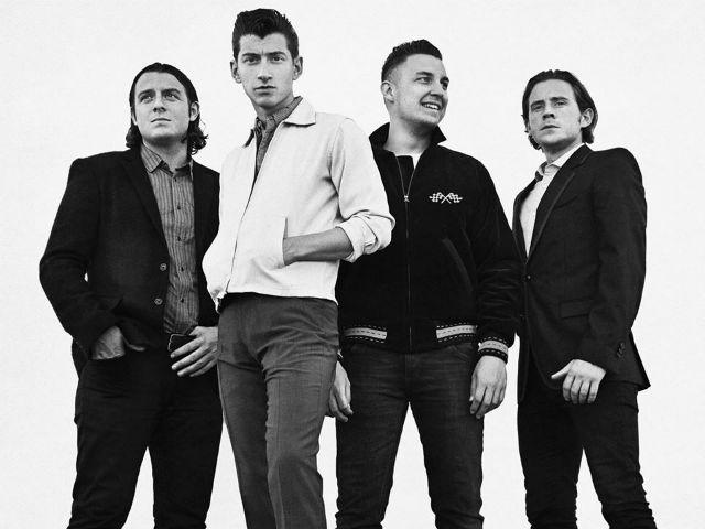 "Arctic Monkeys traz turnê de ""AM"" ao Brasil em Novembro"