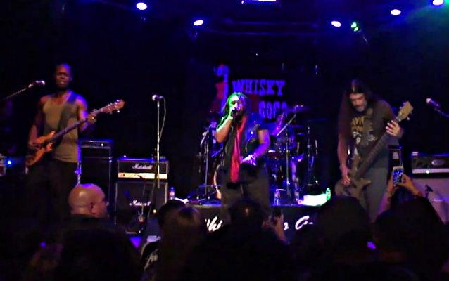 Mass Mental: Veja a outra banda de Robert Trujillo em ação