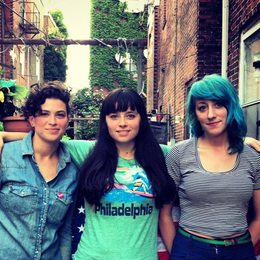 Cayetana libera novo disco via streaming