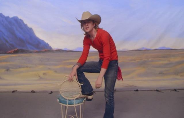 Christopher Owens lança videoclipe