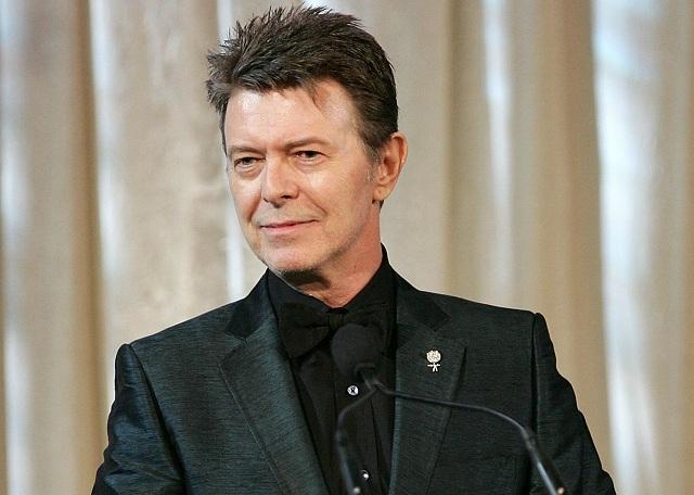 David Bowie anuncia coletânea com música inédita
