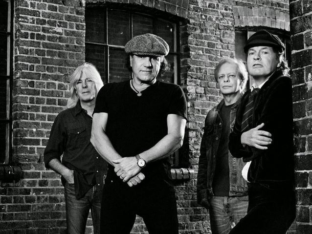 Ouça o show do AC/DC no Coachella 2015
