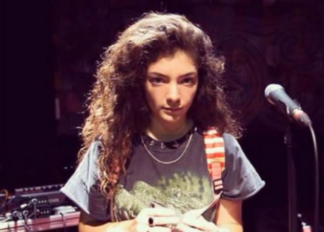 "Ouça Lorde cantando ""Use Somebody"" do Kings Of Leon aos 12 anos"