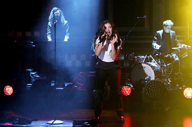 Lorde se apresenta no programa de Jimmy Fallon