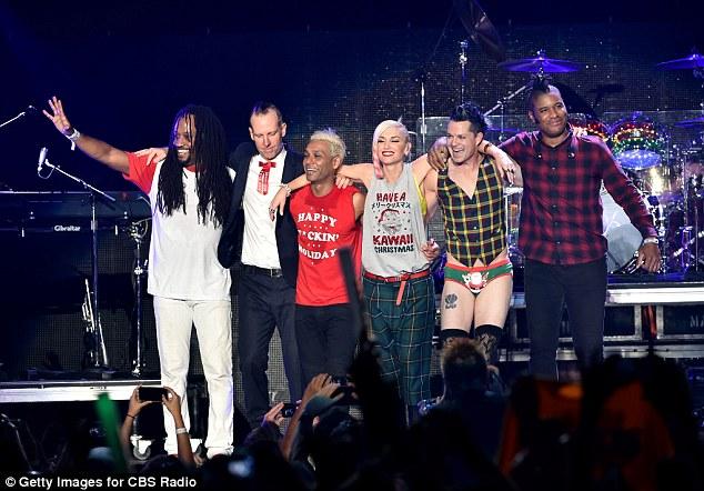 No Doubt retorna aos palcos no KROQ's Almost Acoustic Christmas