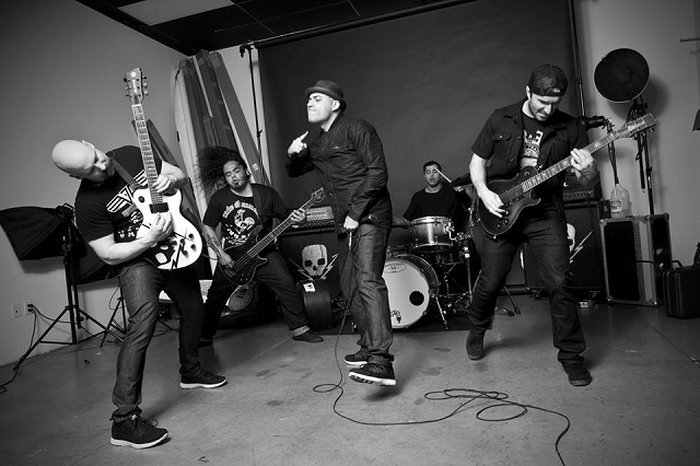 Death by Stereo faz cover de Dead Kennedys
