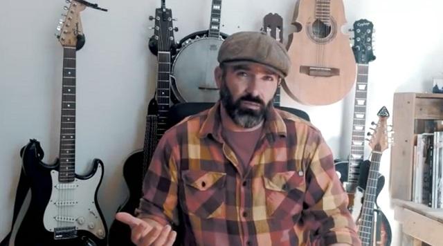 Artista do Youtube faz cover de Metallica usando banjo
