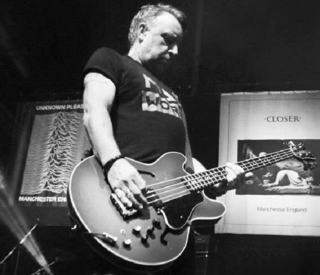 Peter Hook tocará todas as músicas do Joy Division em show