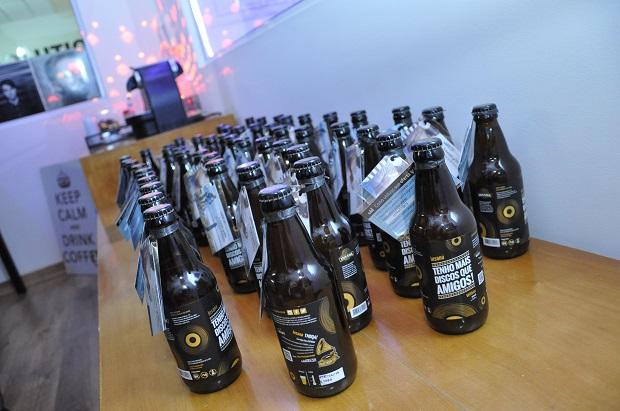 Happy hour de lançamento da cerveja do Tenho Mais Discos Que Amigos!
