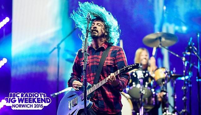 Foo Fighters encerra festival da BBC Radio 1 - assista