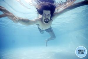 krist-novoselic-piscina