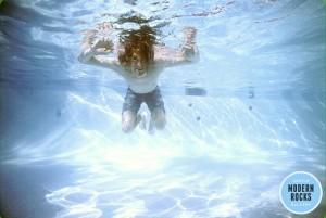kurt-cobain-dentro-da-piscina