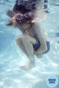nirvana-kurt-piscina