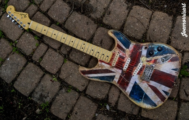 Show beneficente de Pete Townshend e Eddie Vedder ganha guitarra personalizada