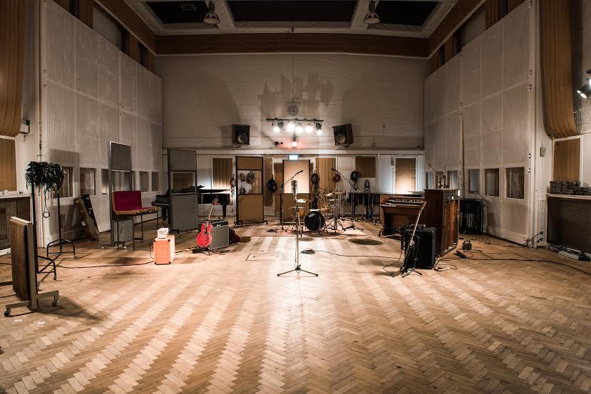 Converse escolherá banda para gravar em grande estúdio internacional