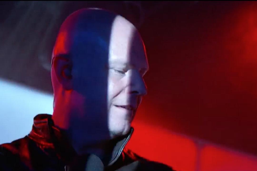 Philip Selway (Radiohead) se apresenta na TV americana