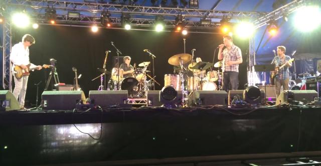 Sun Kil Moon toca com membros do Sonic Youth em festival