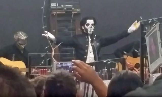 Ghost continua turnê acústica com show em Baltimore.
