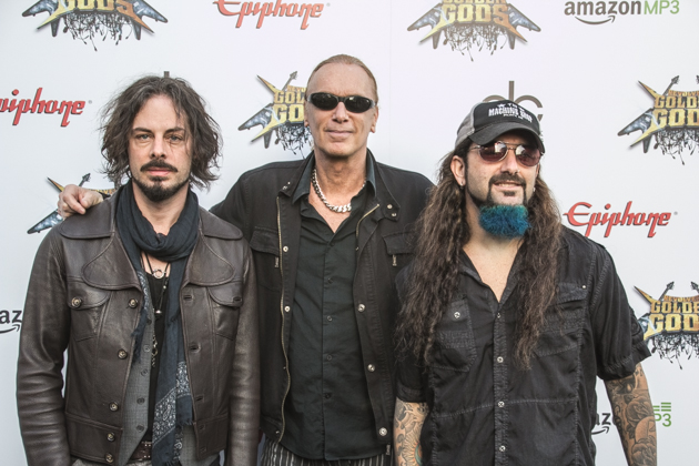 The Winery Dogs divulga nome e data de lançamento do novo álbum.