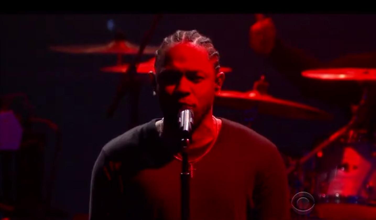 Kendrick Lamar se apresenta na estreia do novo programa de Stephen Colbert