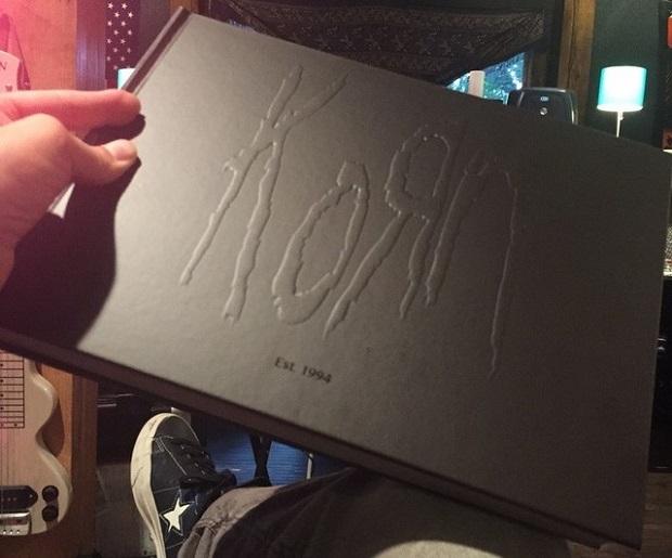 KoRn lançará livro de fotos comemorativo