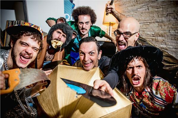 """Ouça """"Rádio Sideral"""", parceria da banda Mel Azul com Paulo Miklos (Titãs)"""