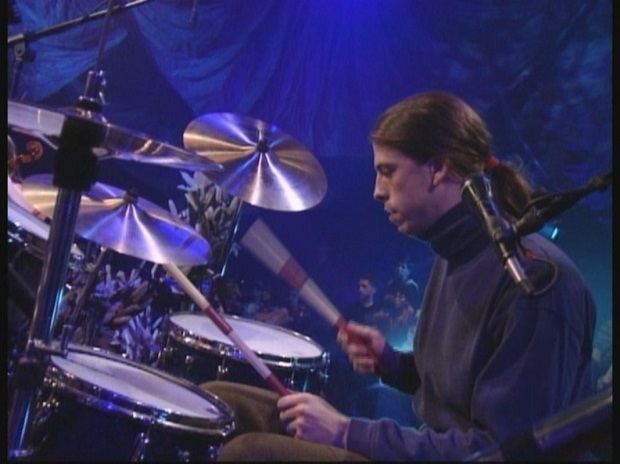 Nirvana-MTV-Unplugged-dave-grohl