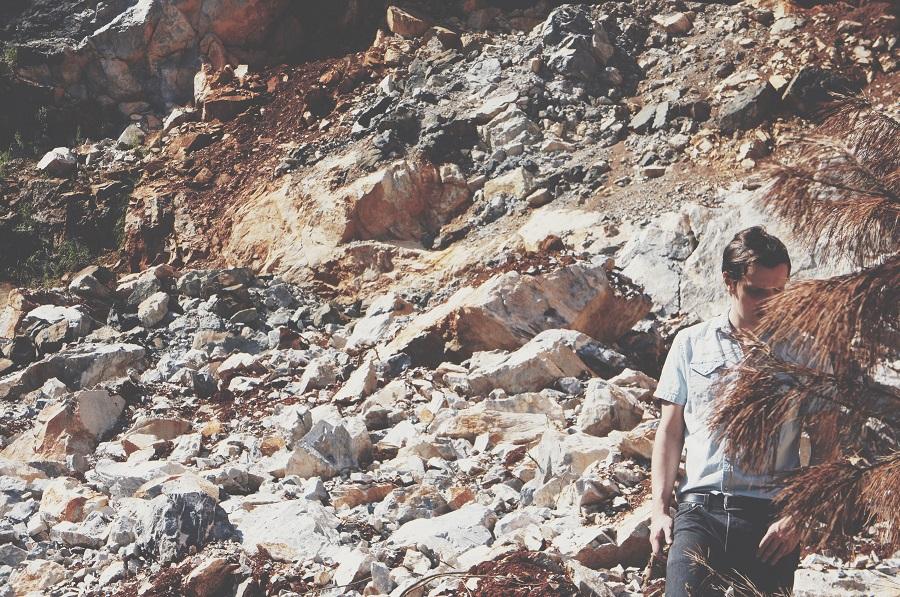 Ouça Atirado ao Mar, novo EP de Jair Naves