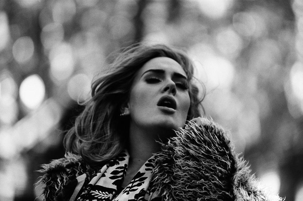 Adele quebra mais um recorde com nova música