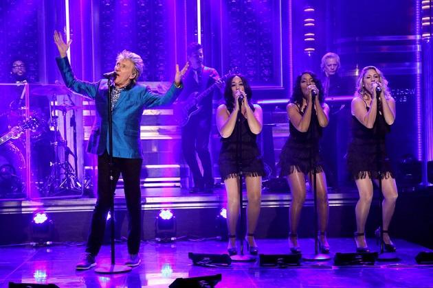 Rod Stewart se apresenta no programa de Jimmy Fallon