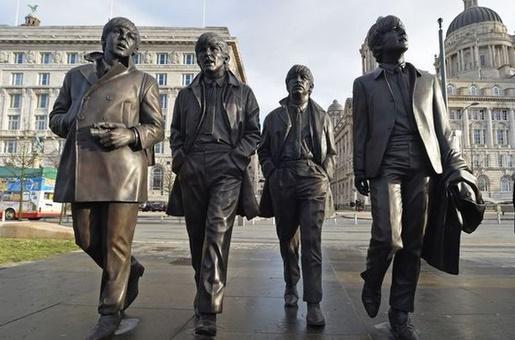 Estátua dos Beatles em Liverpool