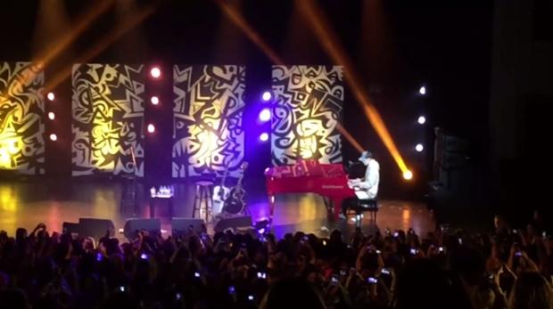 Justin Bieber toca The Beatles