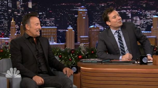 The Roots toca música de Bruce Springsteen ao estilo Ramones no programa de Jimmy Fallon
