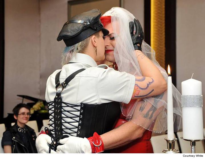Fat Mike se casa com Soma Snakeoil