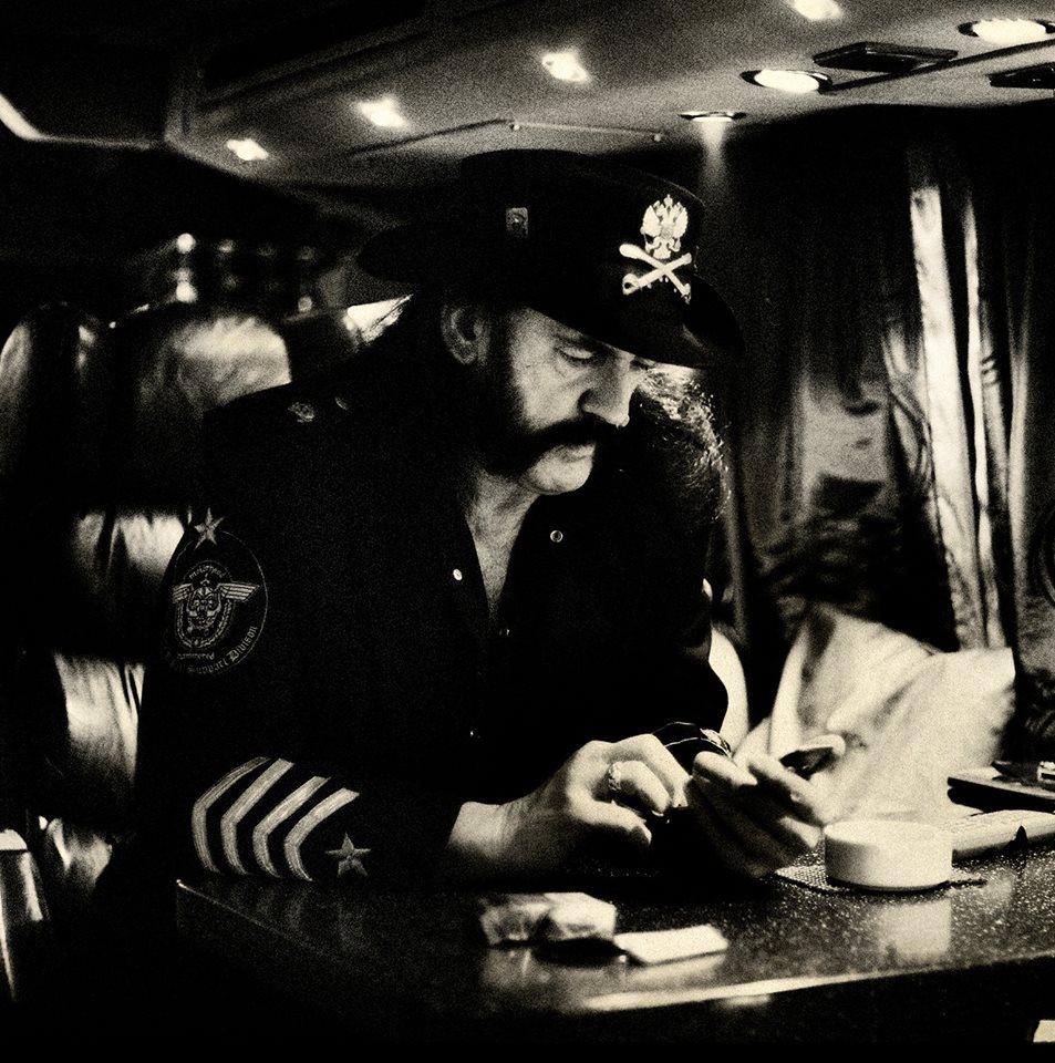 Motörhead anuncia transmissão ao vivo do funeral de Lemmy