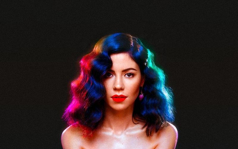 Marina and the Diamonds faz cover de clássico de Cyndi Lauper