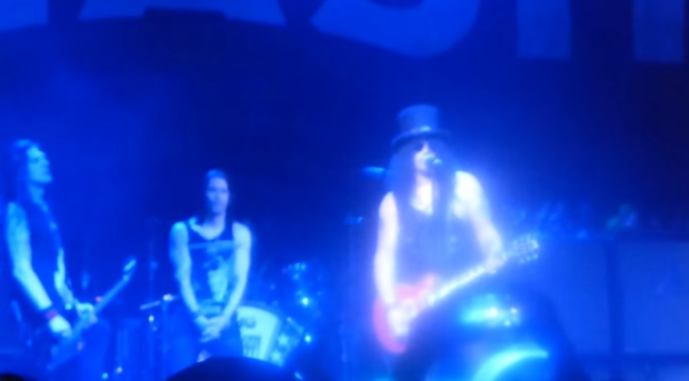 Slash toca Velvet Revolver e Motörhead