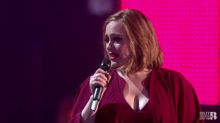 Adele no BRIT Awards 2016