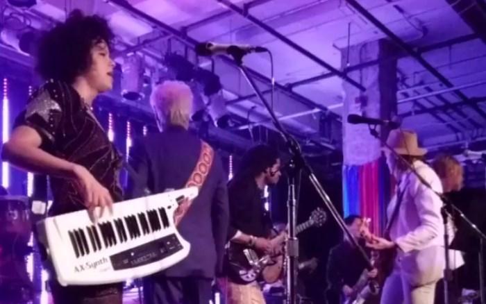 Arcade Fire toca com David Byrne em evento beneficente