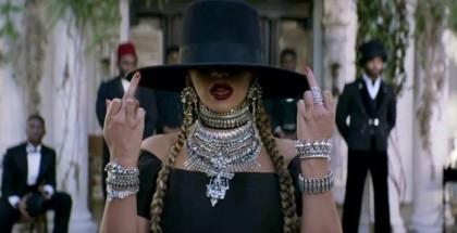"Beyoncé no clipe de ""Formation"""