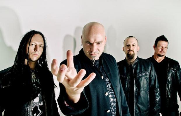 Disturbed toca NIN, RATM U2 e The Who em show