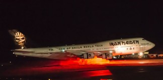 Iron Maiden mostra o Ed Force One