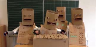 Crianças de escola alemã prestam homenagem ao Kraftwerk