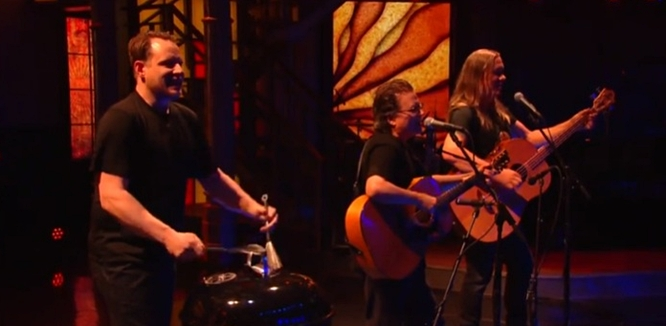 Violent Femmes no Stephen Colbert