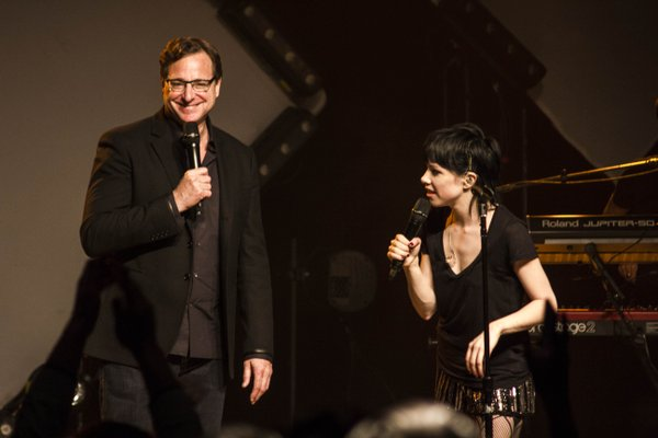 Carly Rae Jepsen e Bob Saget (Full House)