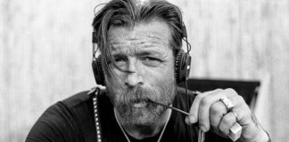Jesse Hughes, líder do Eagles Of Death Metal