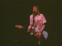 Nirvana faz o último show da carreira em Munique