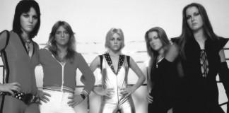Lita Ford diz que deixou o Runaways porque integrantes eram homossexuais