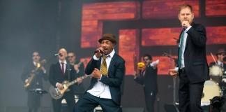 Reggae alemão do SEEED cai bem no Lollapalooza Brasil